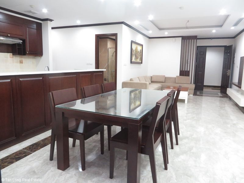 Brand-new apartment to rent on high-rise building in Ba Dinh district. 6