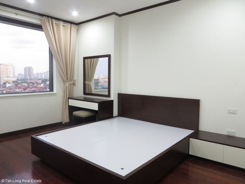 Brand-new apartment to rent on high-rise building in Ba Dinh district. 10