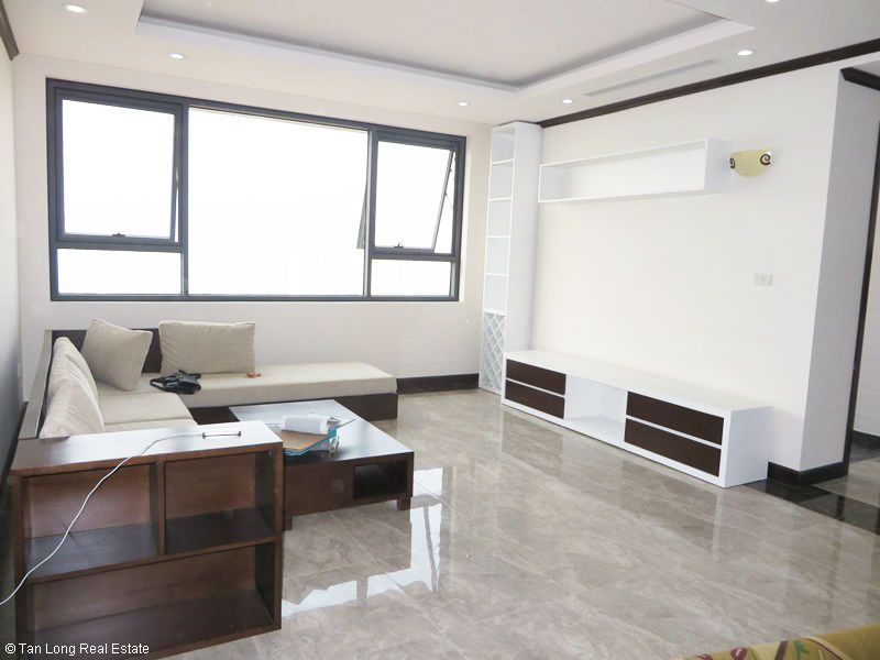Brand-new furnishing apartment on high-rise building in Ba Dinh district to rent 1