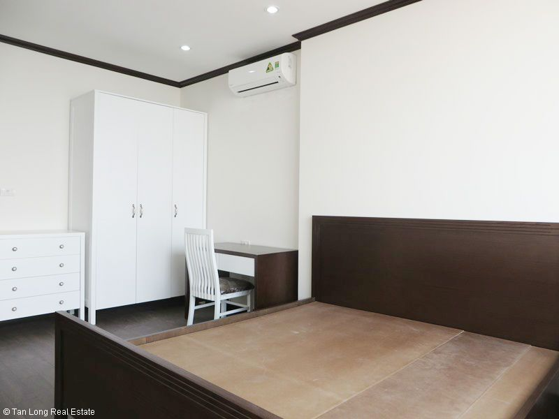 Brand-new furnishing apartment on high-rise building in Ba Dinh district to rent 10