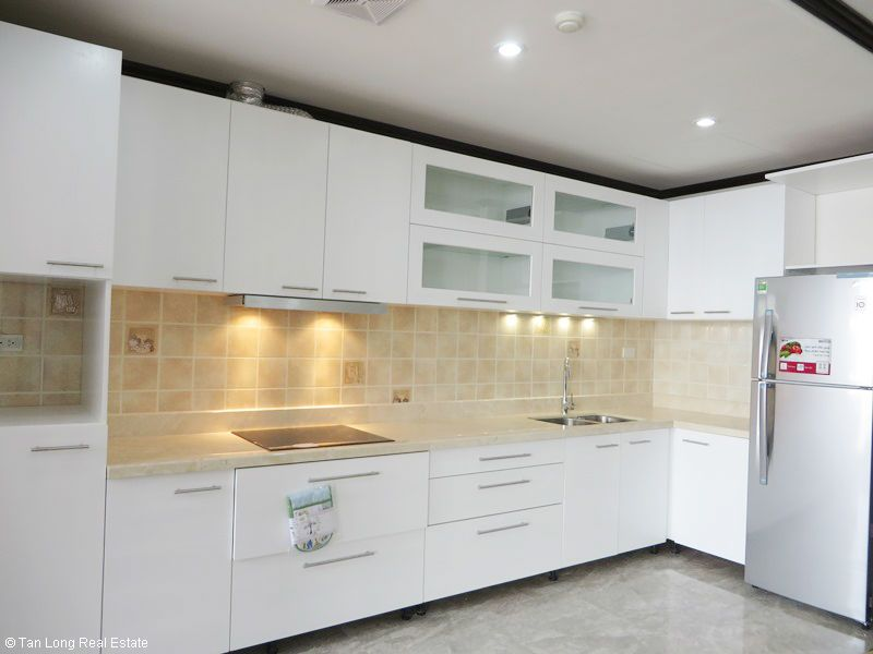 Brand-new furnishing apartment on high-rise building in Ba Dinh district to rent 4