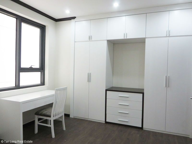 Brand-new furnishing apartment on high-rise building in Ba Dinh district to rent 6