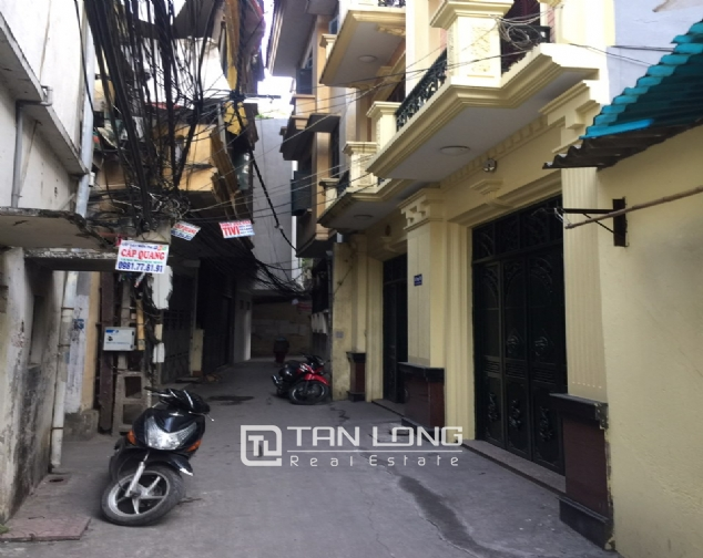 Brand-new house for rent near Ba Mau Lake, Dong Da district! 1