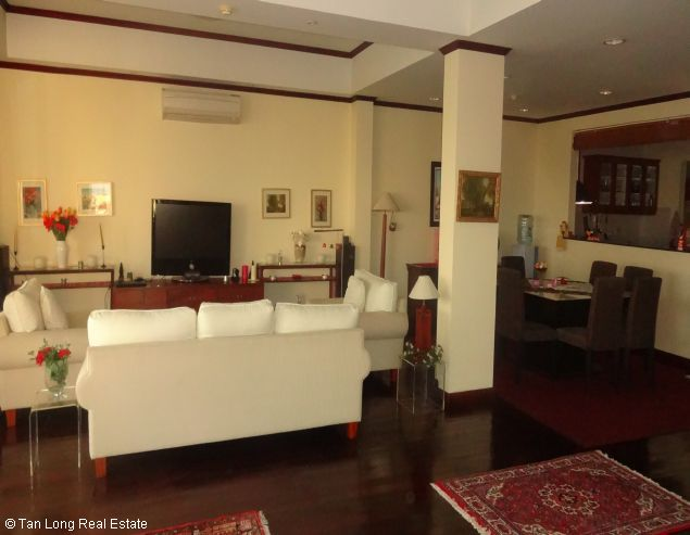 Brandnew lakeview three bedroom service apartment in Xuan Dieu street Hanoi for rent 10