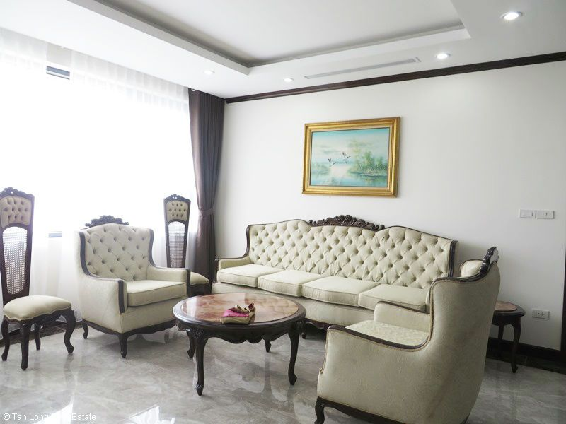 Bright 2 bedroom apartment for rent in Platinum Residences. 1