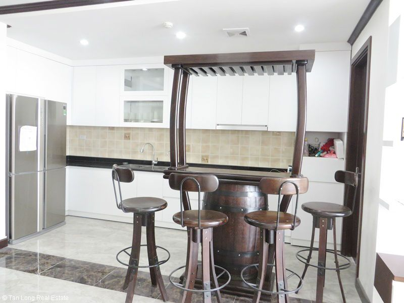 Bright 2 bedroom apartment for rent in Platinum Residences. 2