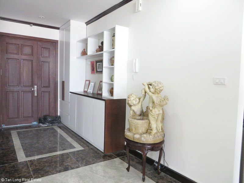 Bright 2 bedroom apartment for rent in Platinum Residences. 4