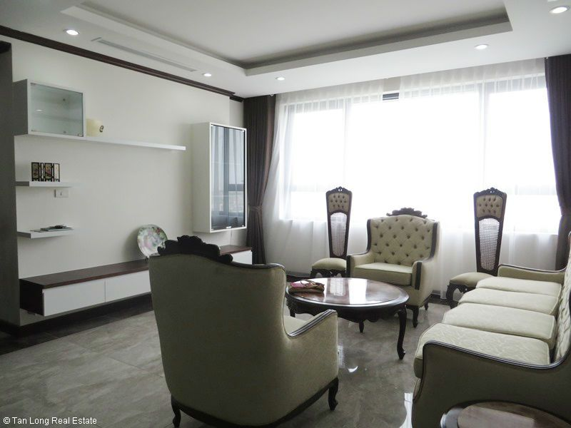 Bright 2 bedroom apartment for rent in Platinum Residences. 5