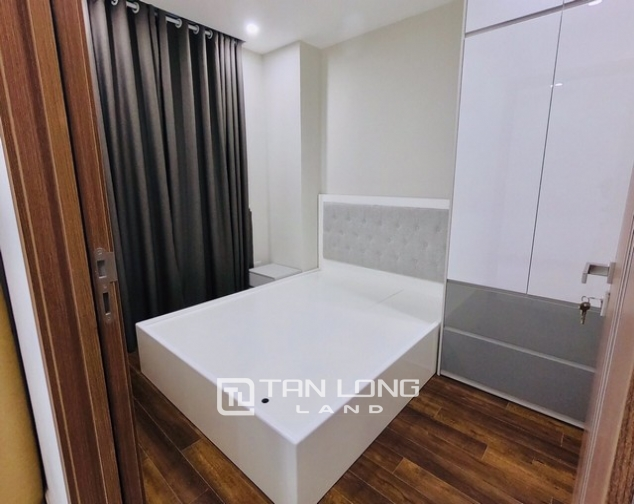 Bright 2 bedroom furnished apartment on high floor for rent in L4 The Link Ciputra 4