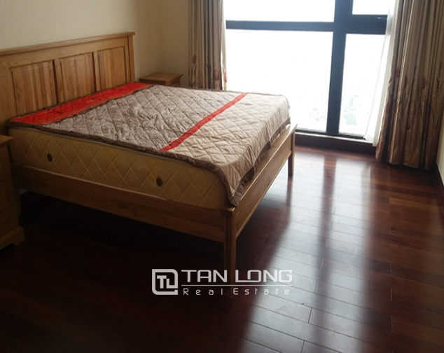Bright 3 bedroom apartment for rent in R2 Vinhomes Royal City, Thanh Xuan dist 6
