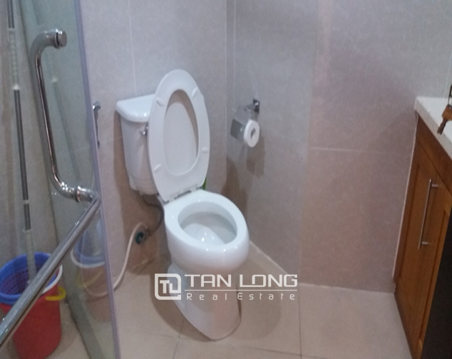 Bright 3 bedroom apartment for rent in R2 Vinhomes Royal City, Thanh Xuan dist 9