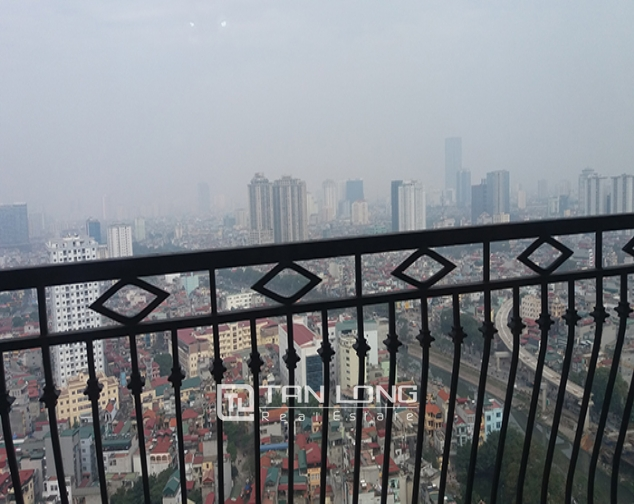 Bright 3 bedroom apartment for rent in R2 Vinhomes Royal City, Thanh Xuan dist 10