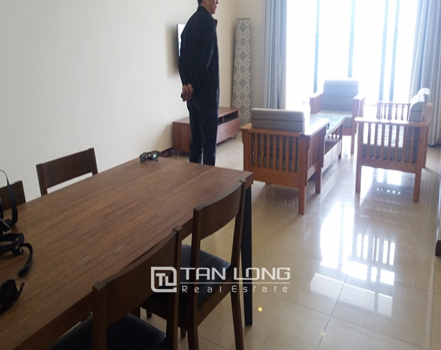 Bright 3 bedroom apartment for rent in R2 Vinhomes Royal City, Thanh Xuan dist 2