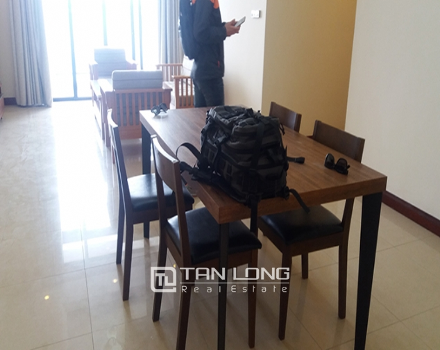 Bright 3 bedroom apartment for rent in R2 Vinhomes Royal City, Thanh Xuan dist 3