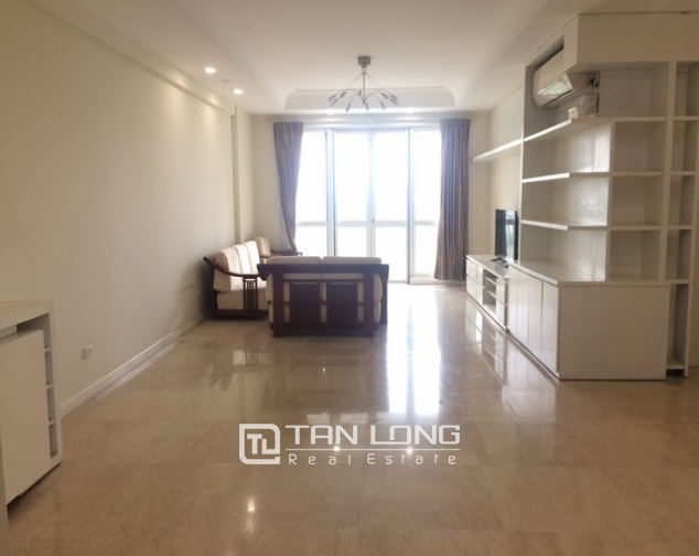 Bright and spacious 4 bedroom apartment for rent in P2 Ciputra 1