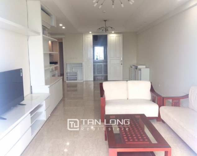Bright and spacious 4 bedroom apartment for rent in P2 Ciputra 2