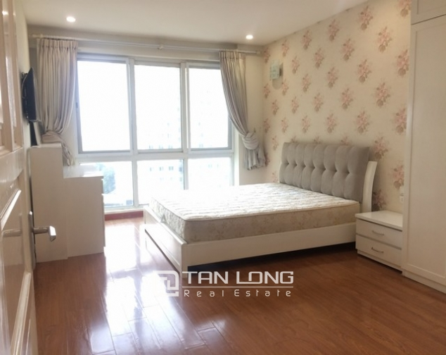 Bright and spacious 4 bedroom apartment for rent in P2 Ciputra 5