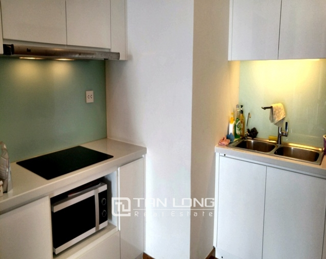 Bright and spacious two bedroom apartment for rent in R2, Royal City, Nguyen Trai str., Thanh Xuan dist., Hanoi 3