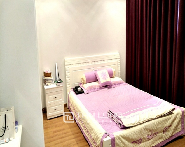 Bright and spacious two bedroom apartment for rent in R2, Royal City, Nguyen Trai str., Thanh Xuan dist., Hanoi 4