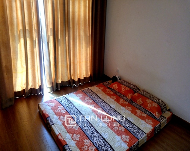 Bright and spacious two bedroom apartment for rent in R2, Royal City, Nguyen Trai str., Thanh Xuan dist., Hanoi 5