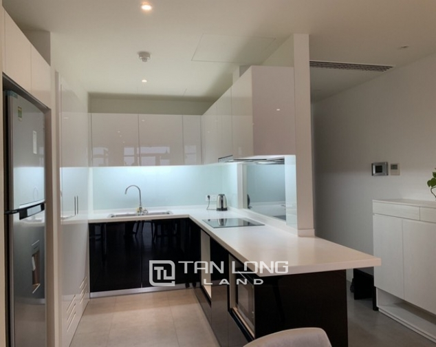 Bright and Westlake view 2 bedroom apartment for rent in Watermark, Lac Long Quan street,Tay Ho district 3
