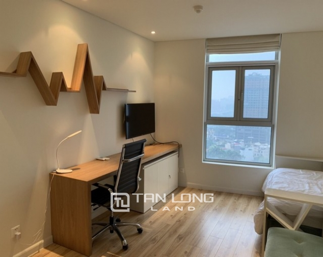 Bright and Westlake view 2 bedroom apartment for rent in Watermark, Lac Long Quan street,Tay Ho district 4