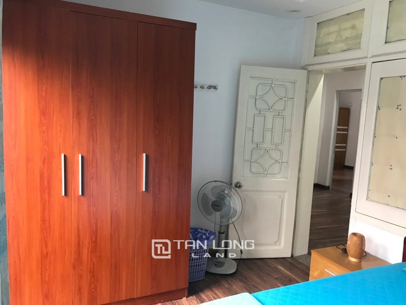 Bright apartment for rent in Au Co street, Tay ho district 8