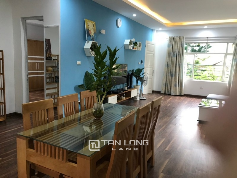 Bright apartment for rent in Au Co street, Tay ho district 11