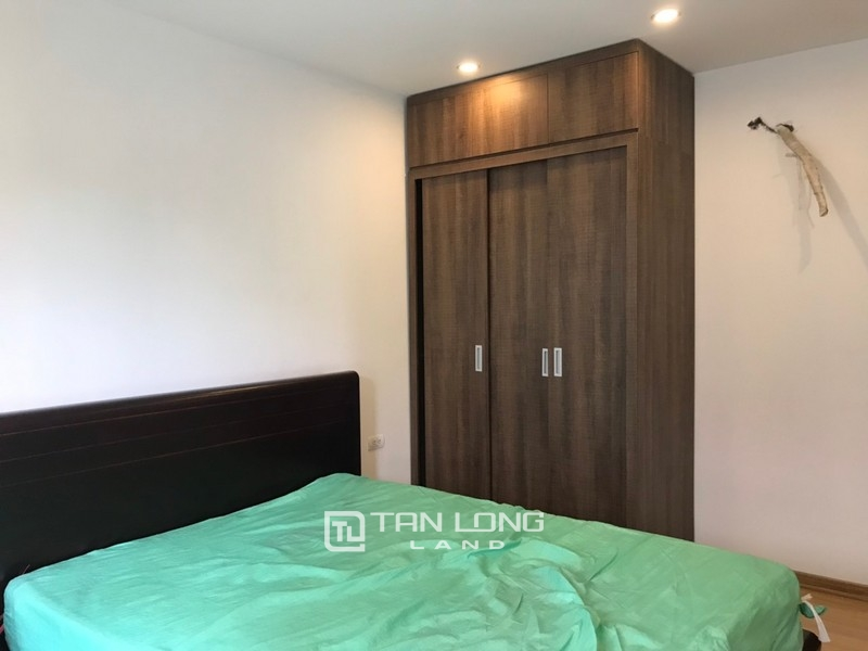 Bright apartment for rent in Au Co street, Tay ho district 2