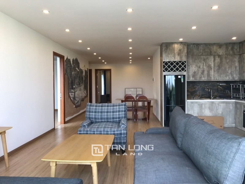 Bright apartment for rent in Au Co street, Tay ho district 12