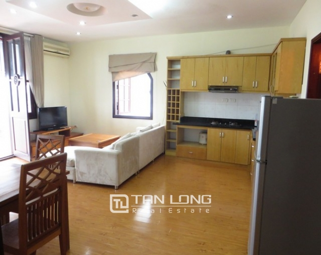 Bright apartment in Xuan Dieu street, Tay Ho district, Hanoi for lease 1