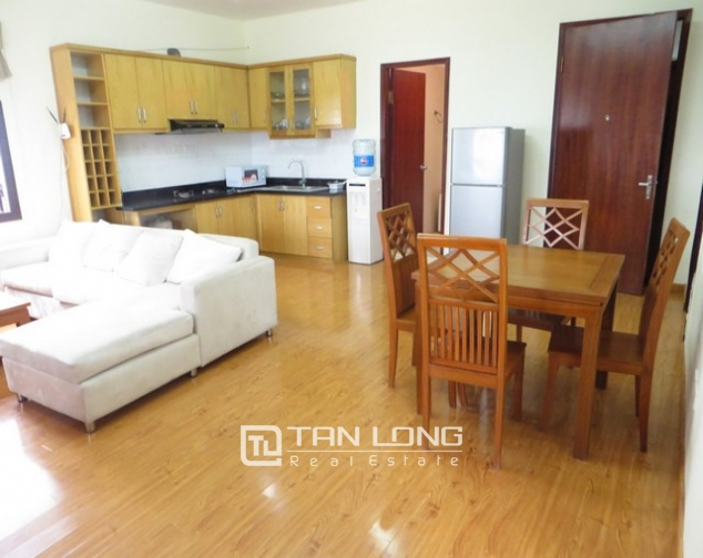 Bright apartment in Xuan Dieu street, Tay Ho district, Hanoi for lease 2