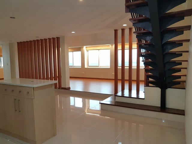 Bright house in Ciputra area, Tay Ho dist, Hanoi for lease