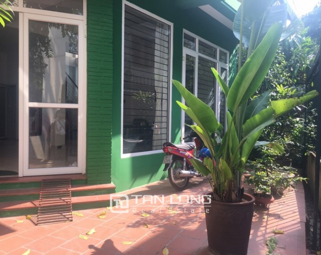 Bright house near West Lake for rent 2