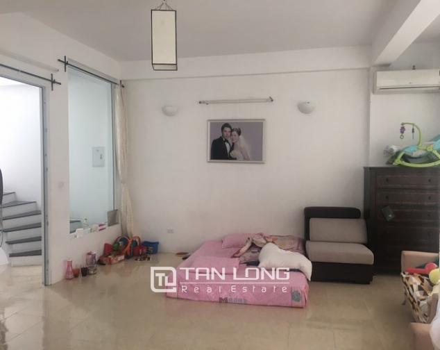 Bright house near West Lake for rent 8
