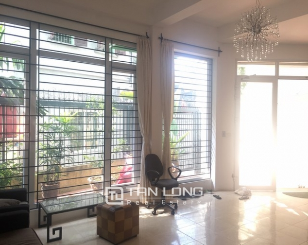 Bright house near West Lake for rent 9