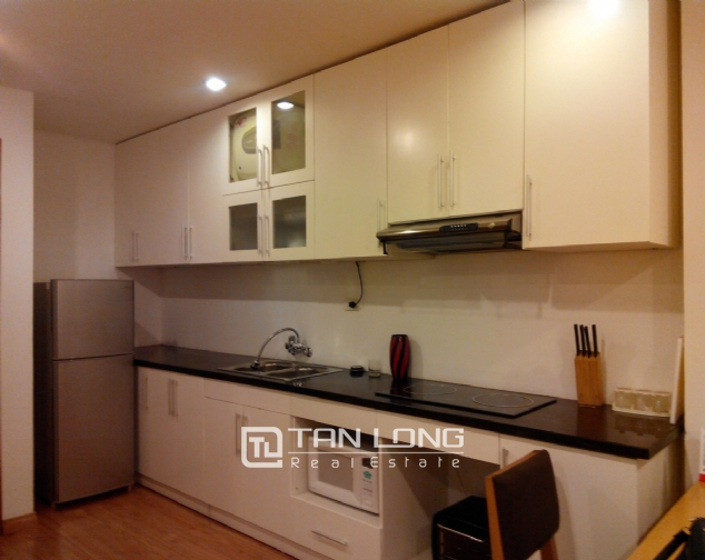Bright serviced apartment for rent in Mai Hac De, Hai Ba Trung District 3