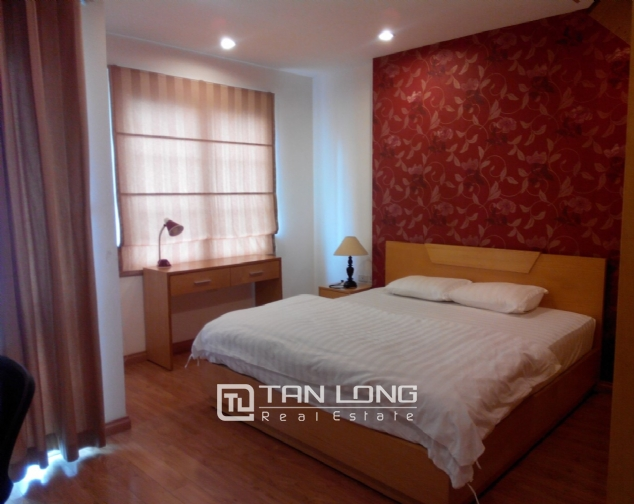 Bright serviced apartment for rent in Mai Hac De, Hai Ba Trung District 4