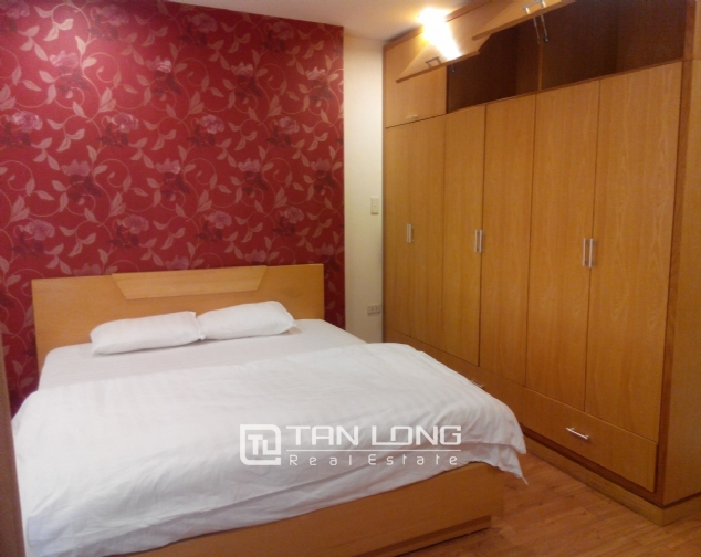 Bright serviced apartment for rent in Mai Hac De, Hai Ba Trung District 5