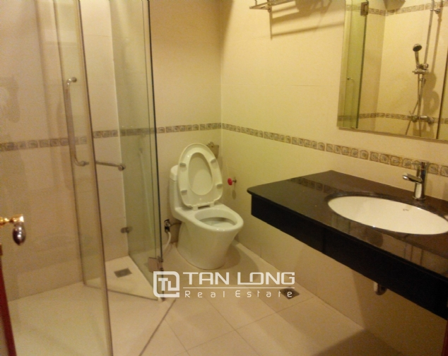 Bright serviced apartment for rent in Mai Hac De, Hai Ba Trung District 6