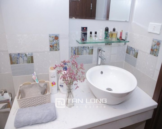 Bright Studio for rent on Hoang Quoc Viet 5
