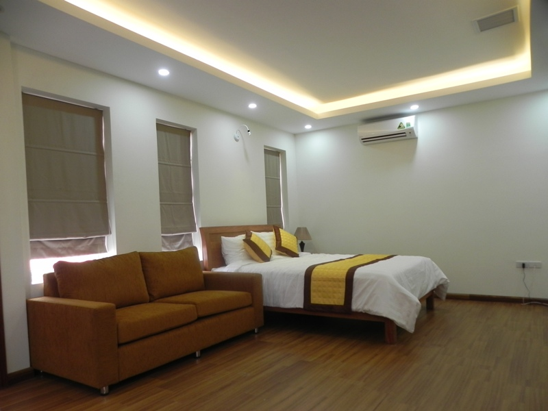 Bright studio serviced apartment in Pham Ngoc Thach, Dong Da for lease