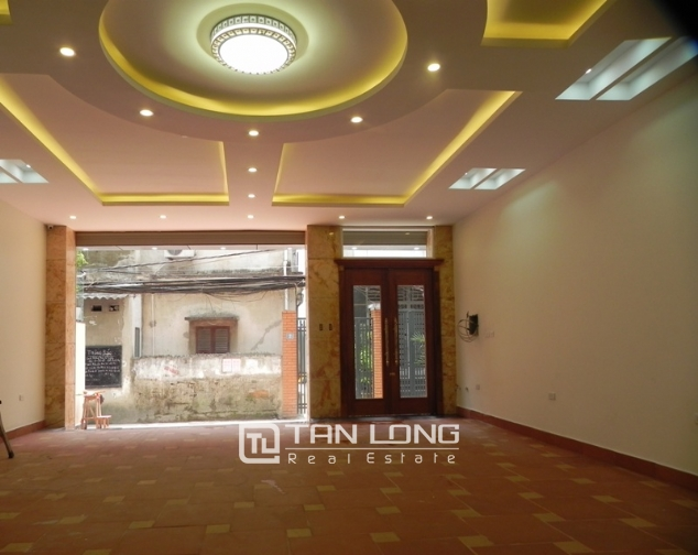 Bright studio serviced apartment in Pham Ngoc Thach, Dong Da for lease 3