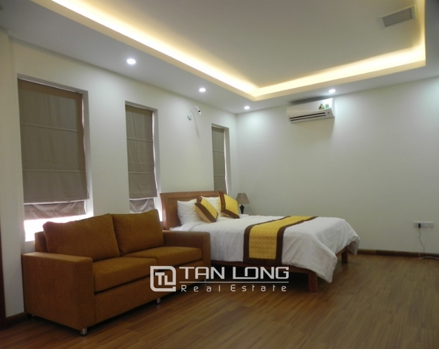 Bright studio serviced apartment in Pham Ngoc Thach, Dong Da for lease 4