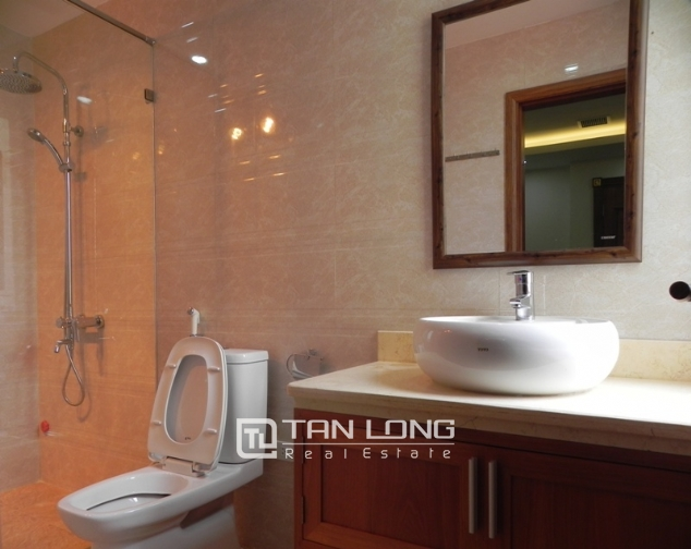 Bright studio serviced apartment in Pham Ngoc Thach, Dong Da for lease 9
