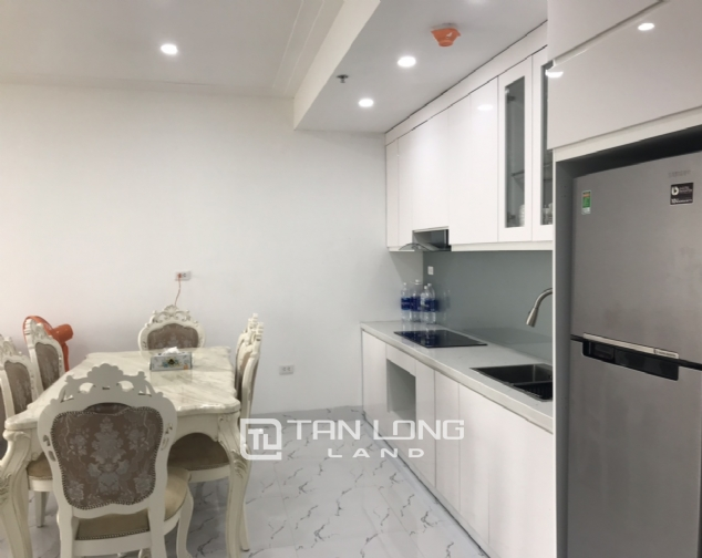 Budget 3 bedroom apartment for rent in De Le Roi Soleil, Quang An, Tay Ho 3