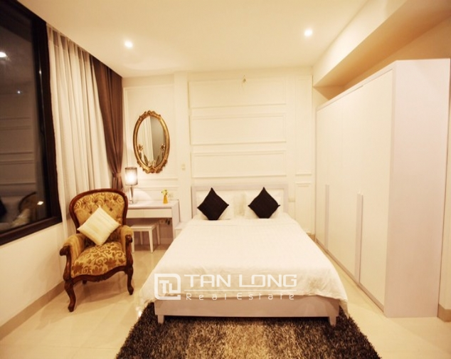 Charming 1 bedroom serviced apartment rental with street view in Ngo Quyen, Hoan Kiem 3