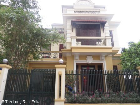 Charming 3 storey villa for rent in G6 Ciputra, 4 bedroom, surrounding garden 1