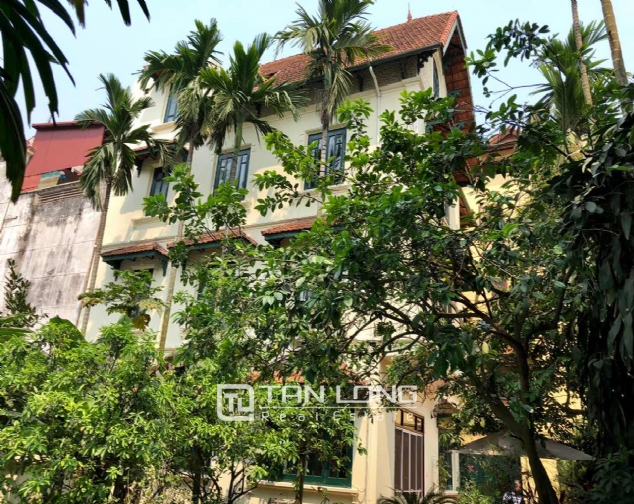 Charming villa for rent on To Ngoc Van street, Tay Ho district! 1