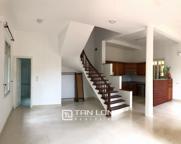 Charming villa for rent on To Ngoc Van street, Tay Ho district! 5